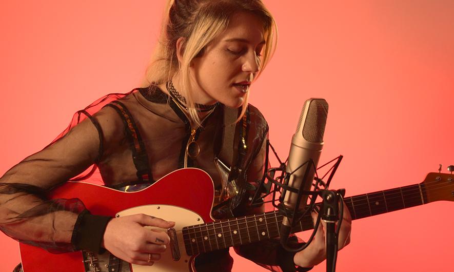 Isia Marie sur le tournage de la session live de la cover de Mylène Farmer Sans Contrefaçon