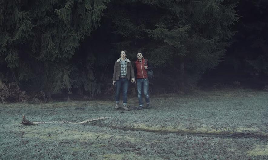 Kevin et Vincent, les deux acteurs sur le tournage du clip Land of Brothers du groupe Breaky Boxes